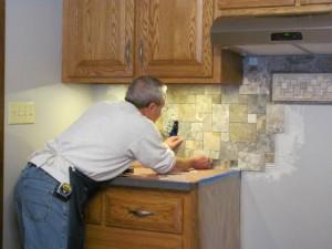 Installing large tiles