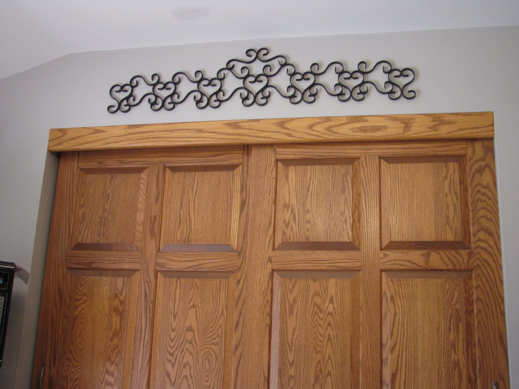 Pantry Door Scroll
